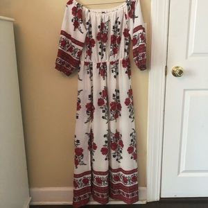 Dresses & Skirts - Beautiful white and red floral dress